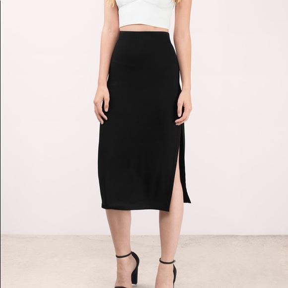 9afbe638b2c Charlotte Russe Dresses   Skirts - Charlotte Russe 2 side slit Midi skirt